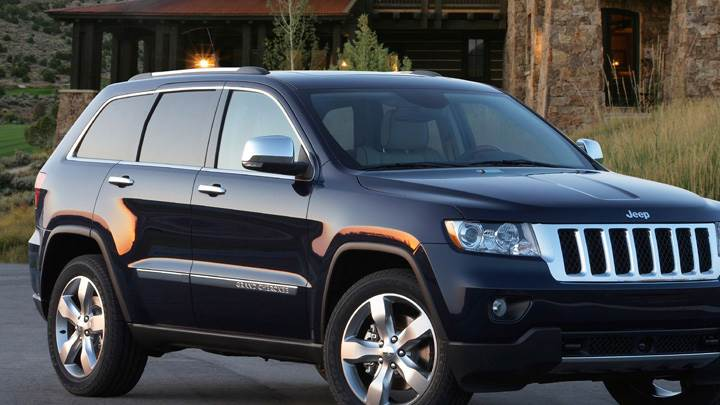 2011 Jeep Grand Cherokee In Black Side Pose