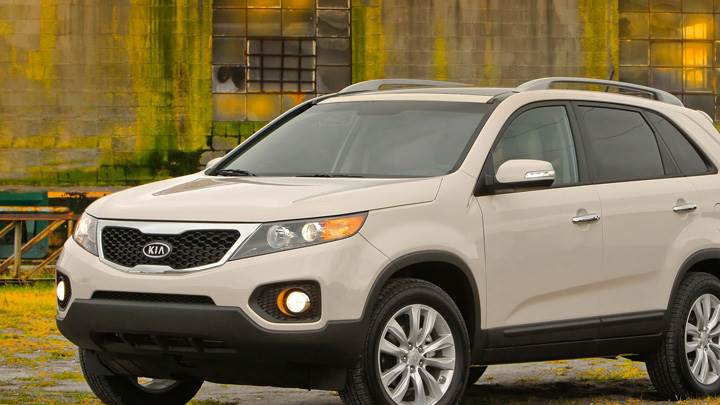 2011 Kia Sorento Front Side Pose