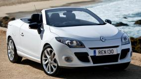 2011 Renault Megane Coupe Front Pose Near Sea
