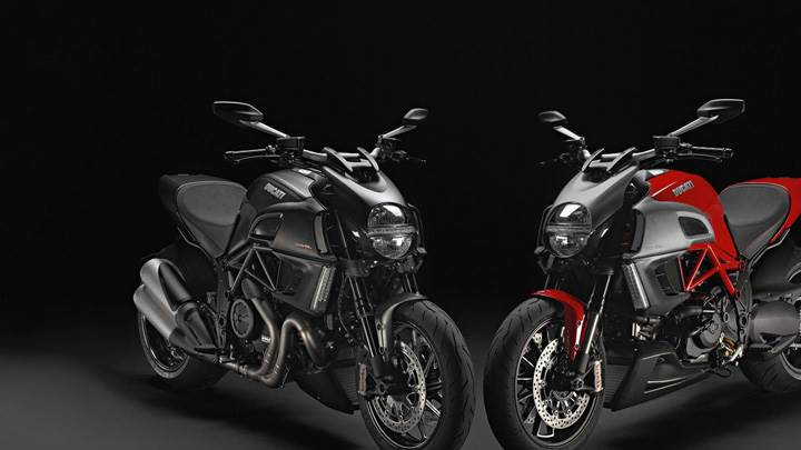 2012 Ducati Diavel Red Vs Grey