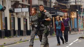 28 Weeks Later – Walking On Street