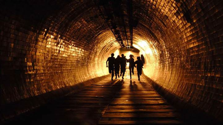 28 Weeks Later – Running In Tunnel