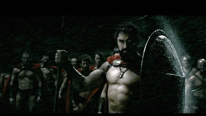 300 – Gerard Butler Shield In Hand In Raining