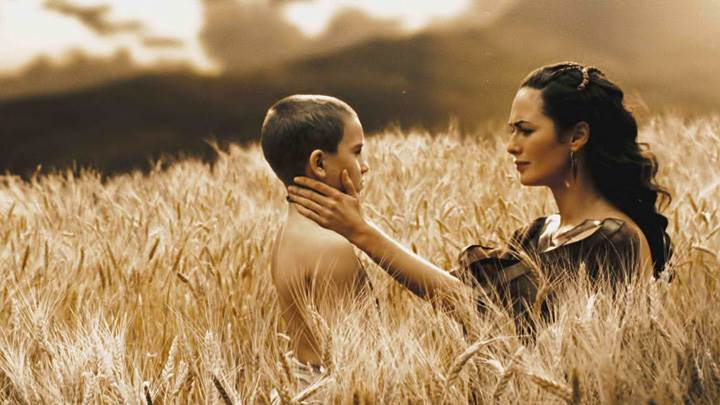 300 – Lena Headey With Boy In Field