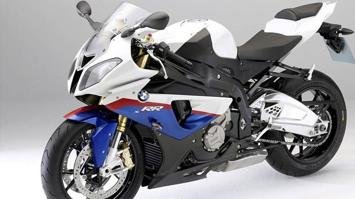 BMW S1000RR In White Side Pose