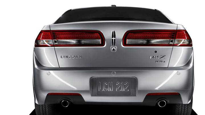 Back Pose Of 2010 Lincoln MKZ In Silver
