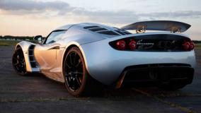 Back Pose Of Hennessey Venom GT 2011 In Silver