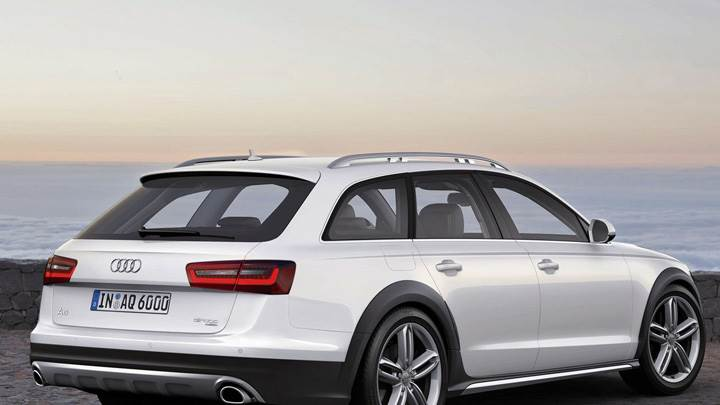 2013 Audi A6 Allroad In White Side Pose