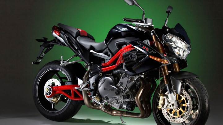 Benelli Tornado Naked Tre 1130 Sport In Black Side Pose
