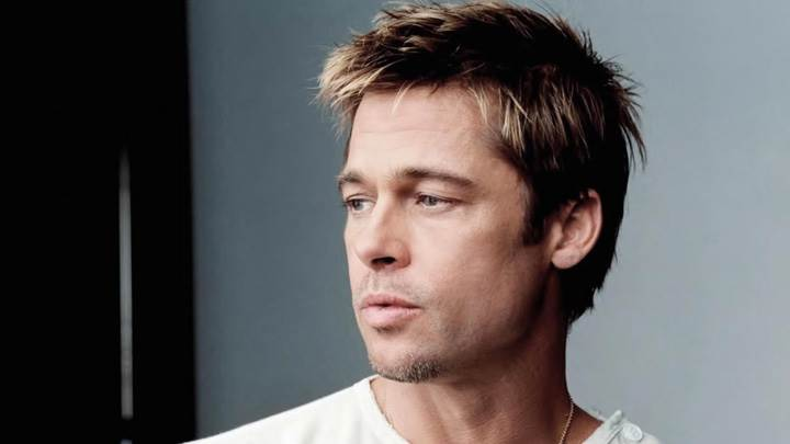 Brad Pitt Lokking In Side In White T-Shirt