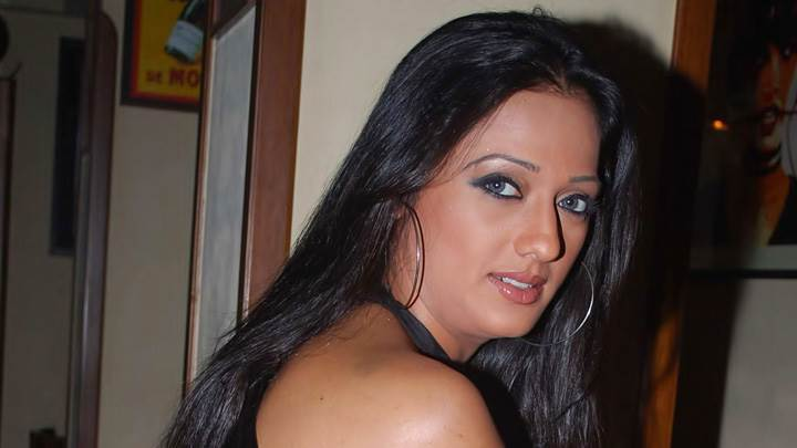 Brinda Parekh Cute Eyes Looking Back Side Pose Photoshoot
