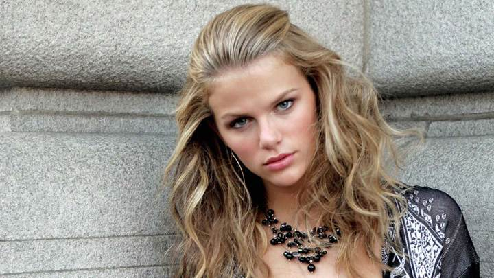 Brooklyn Decker Wearing Black Necklace Looking At Camera