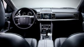 Dashboard Of 2010 Lincoln MKZ