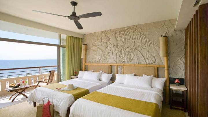 Designing Background And White Bed In Room At Sea Side