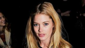 Doutzen Kroes Golden Hairs Face Closeup At Fashion Show In Nyc