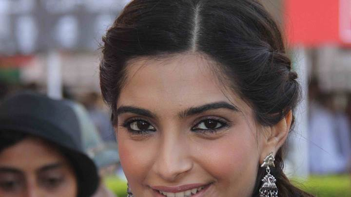Face Closeup Of Sonam Kapoor At Hello Classic Race