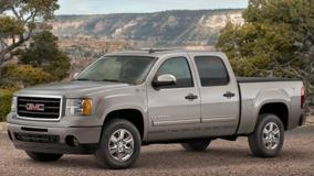GMC Sierra Hybrid Crew Cab 2009 In Grey Near Moutains