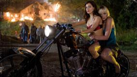 Rose McGowan & Marley Shelton On Bike In Planet Terror