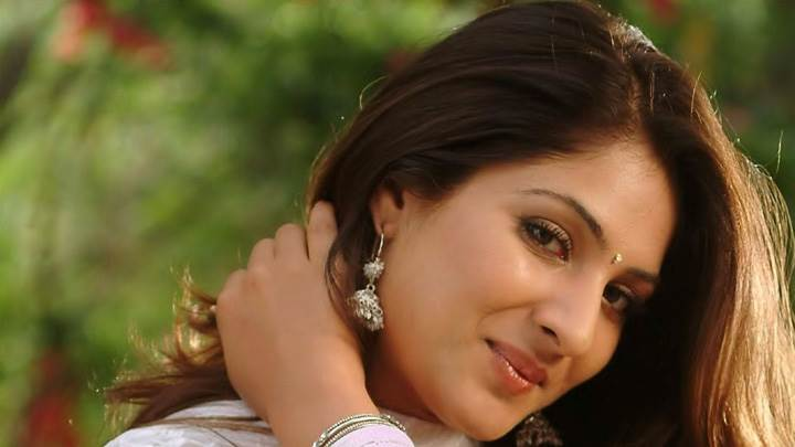 Gouri Mungal Hand On Hairs Cute Pose Closeup