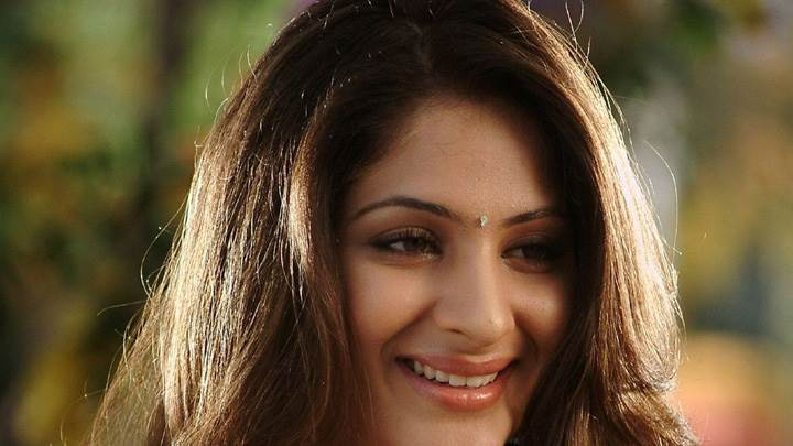 Gouri Mungal Smiling Cute Face Closeup