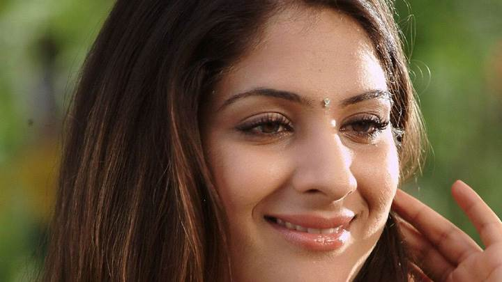 Gouri Mungal Sweet Smiling Face Closeup