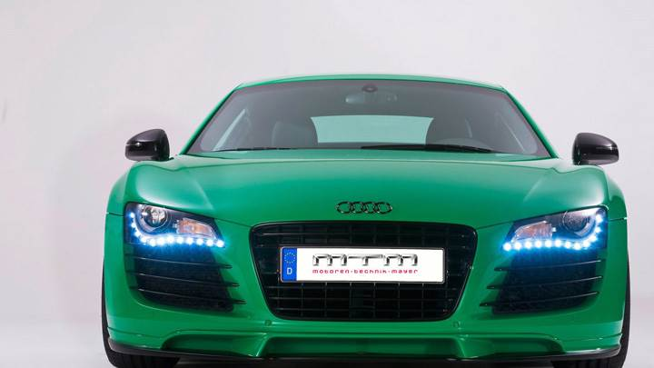 Green Front Pose Mtm Audi R8