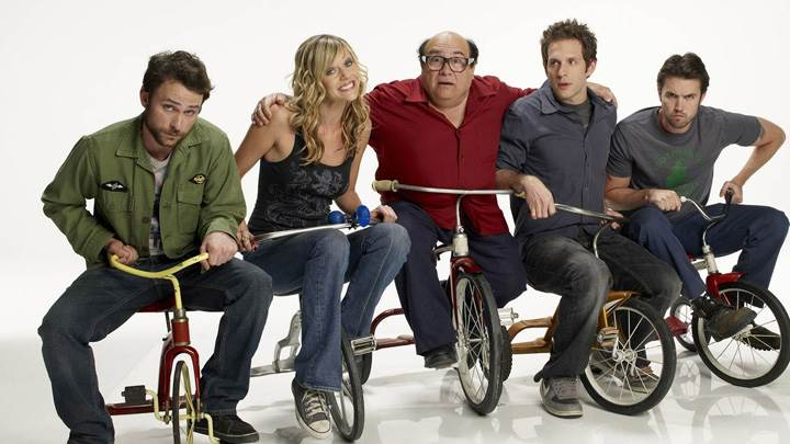 It's Always Sunny In Philadelphia – Kaitlin Olson With Other Characters