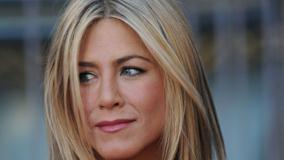 Jennifer Aniston Face Closeup At Horrible Bosses Premiere In Hollywood