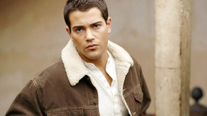 Jesse Metcalfe In Brown Jacket Smart Photoshoot