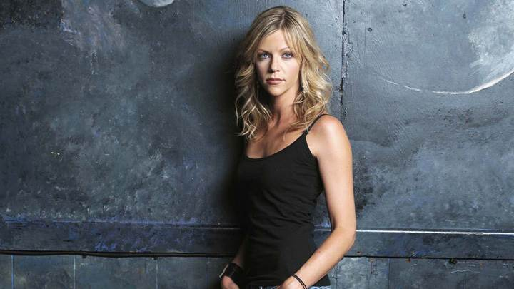 Kaitlin Olson In Black Top N Jeans