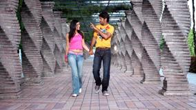 Kajal Aggarwal And Nitin Walking N Talking With Each Other – Aatadista