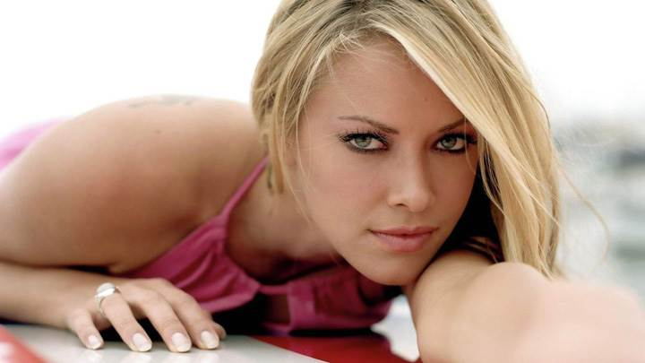 Kristanna Loken Laying Pose Looking At Camera Photoshoot