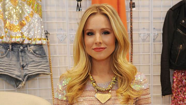 Kristen Bell Smiling Pose At Opening Store In Las-Vegas