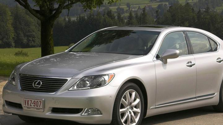 Lexus LS 460 In Silver Front Side Pose