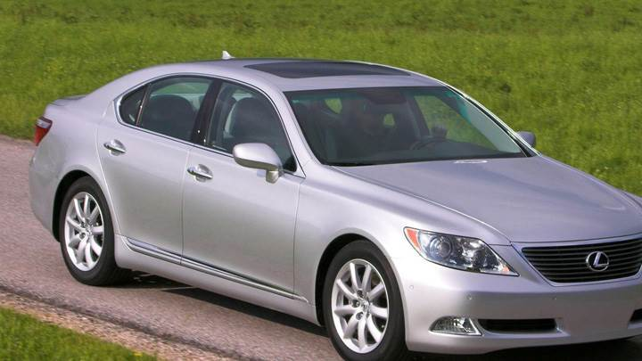 Lexus LS 460 In Silver Pose In Field