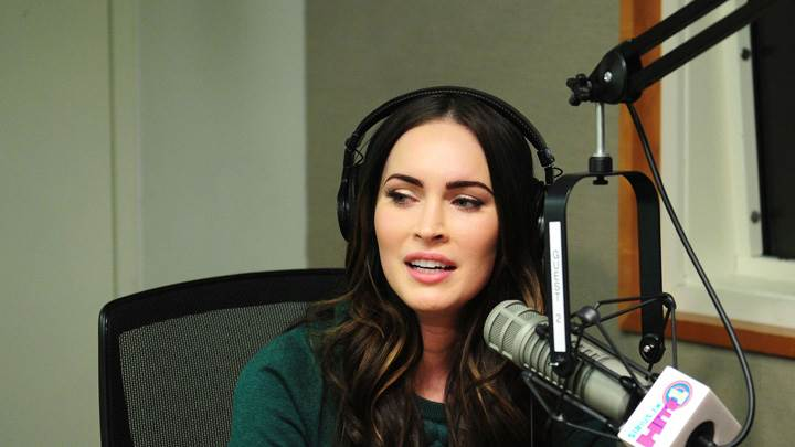 Megan Fox Sitting At Siriusxm Radio In Ny Event