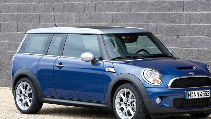 Mini Cooper S Front Side Pose In Blue
