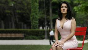 Salma Hayek Sitting Pose In Park