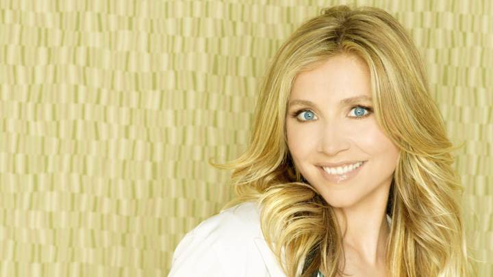 Sarah Chalke Smiling In Scrubs Season 8 Promo 2008