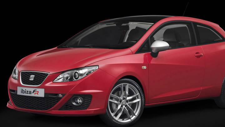 Seat Ibiza FR Front Side Pose In Red