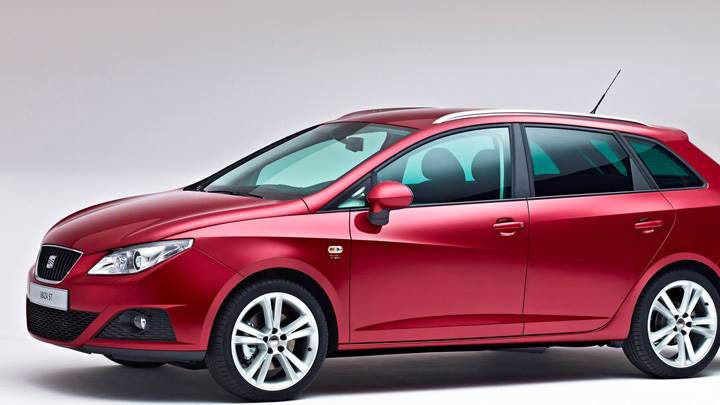 Seat Ibiza ST Side Pose In Red