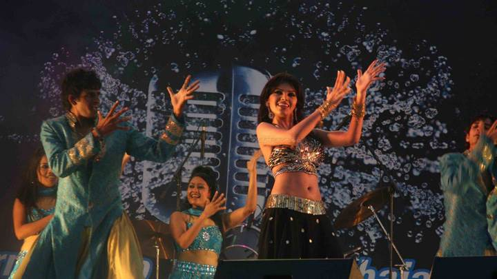 Sherlyn Chopra Dance Perform At Water Kingdom