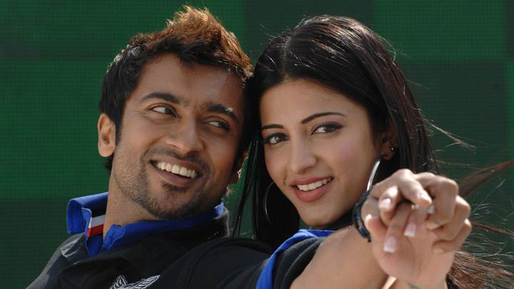Shruti Haasan And Surya Looking Front – 7aum Arivu Movie