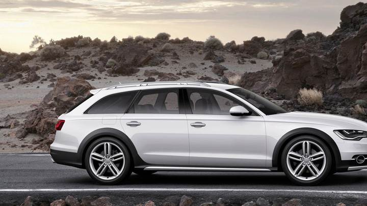 Side Pose Of Audi A6 Allroad 2013 In White