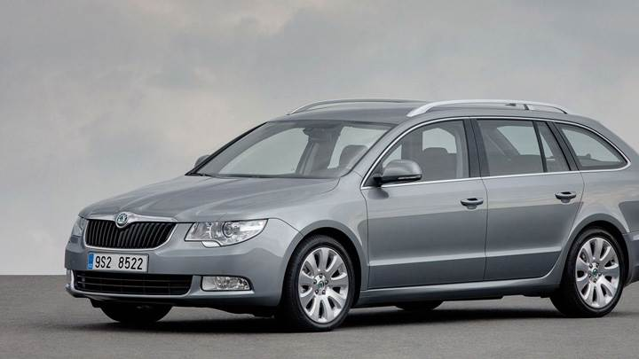 Side Pose Of Skoda Superb Combi In Grey