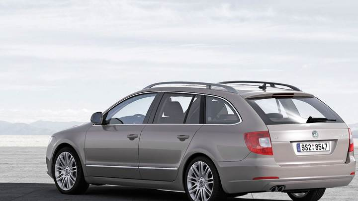 Skoda Superb Combi Back Side Pose Near Sea