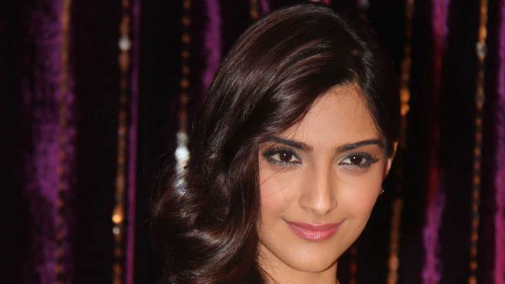 Smiling Face Of Sonam Kapoor At Utv Press Meet
