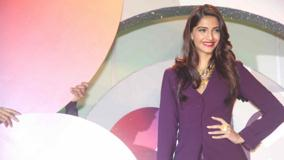 Smiling Photoshoot Sonam Kapoor Unveils New Logo Of Gjepc