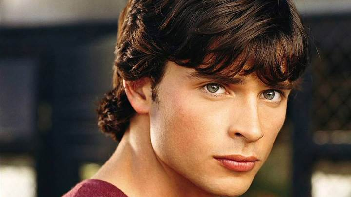 Tom Welling Looking At Camera Face Closeup