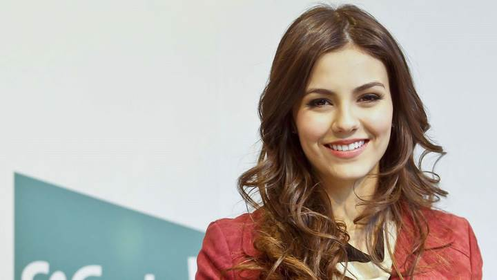 Victoria Justice Sweet Smiling Face Photoshoot